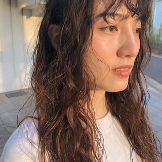 無造作パーマ ガーリー ロング デジタルパーマ ヘアスタイルや髪型の写真・画像