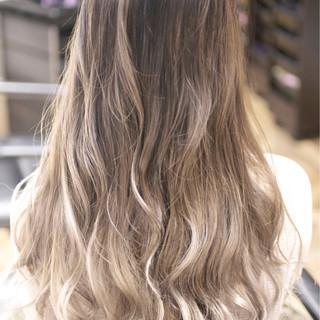 外国人風カラー グラデーションカラー ダブルカラー ガーリー ヘアスタイルや髪型の写真・画像