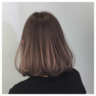 愛され ミディアム グラデーションカラー ゆるふわ ヘアスタイルや髪型の写真・画像