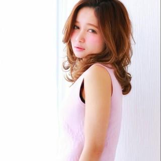ゆるふわ 大人かわいい パーマ 外国人風 ヘアスタイルや髪型の写真・画像