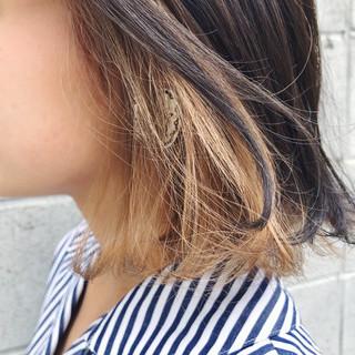 アッシュ ストリート インナーカラー 暗髪 ヘアスタイルや髪型の写真・画像