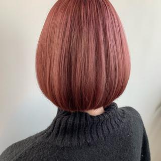 切りっぱなしボブ ピンク ショートボブ ピンクベージュ ヘアスタイルや髪型の写真・画像