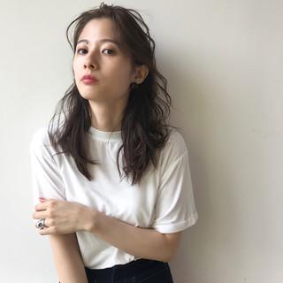 ミディアム 夏 簡単ヘアアレンジ 色気 ヘアスタイルや髪型の写真・画像