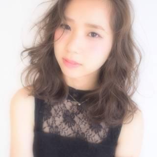 外国人風 ゆるふわ 大人かわいい 前髪あり ヘアスタイルや髪型の写真・画像