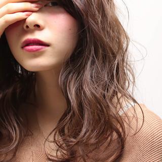 セミロング 大人かわいい 外国人風 ハイライト ヘアスタイルや髪型の写真・画像
