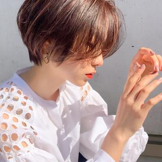 ショートヘア ショート ナチュラル ウルフカット ヘアスタイルや髪型の写真・画像