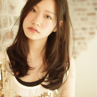 暗髪 ガーリー 大人かわいい 外国人風 ヘアスタイルや髪型の写真・画像