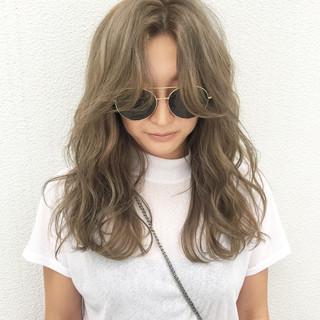 ヘアアレンジ ハイライト グラデーションカラー セミロング ヘアスタイルや髪型の写真・画像