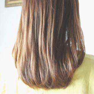 ロング アッシュベージュ ミルクティーベージュ ブラウンベージュ ヘアスタイルや髪型の写真・画像