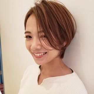 簡単ヘアアレンジ デート ナチュラル ショート ヘアスタイルや髪型の写真・画像