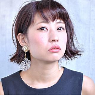 ベリーピンク ガーリー 外ハネ 色気 ヘアスタイルや髪型の写真・画像