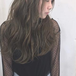 ロング 冬 透明感 デート ヘアスタイルや髪型の写真・画像