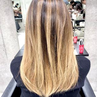 外国人風カラー ロング グラデーションカラー 大人可愛い ヘアスタイルや髪型の写真・画像