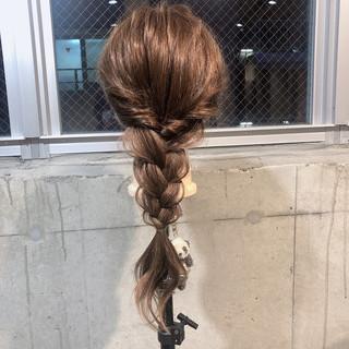 ロング フェミニン セルフヘアアレンジ ヘアアレンジ ヘアスタイルや髪型の写真・画像
