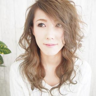 外国人風 アンニュイ セミロング レイヤーカット ヘアスタイルや髪型の写真・画像