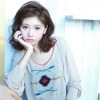 暗髪 大人かわいい 外国人風 ミディアム ヘアスタイルや髪型の写真・画像