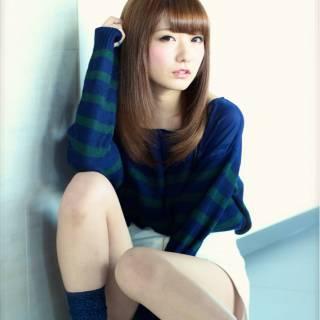 ストレート セミロング 大人女子 フェミニン ヘアスタイルや髪型の写真・画像