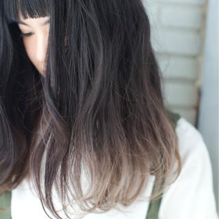 セミロング オン眉 アッシュ パーマ ヘアスタイルや髪型の写真・画像