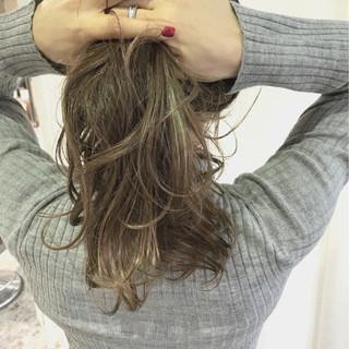 簡単ヘアアレンジ 外ハネ エレガント 上品 ヘアスタイルや髪型の写真・画像