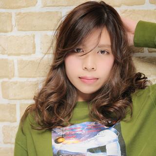 ハイライト ヘアアレンジ 夏 外国人風 ヘアスタイルや髪型の写真・画像