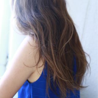 外国人風 ナチュラル ロング ストリート ヘアスタイルや髪型の写真・画像