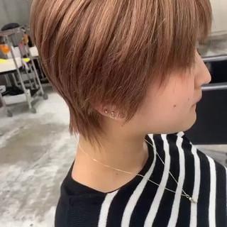 ショートヘア ショートボブ ミニボブ ミルクティーベージュ ヘアスタイルや髪型の写真・画像