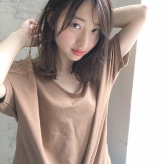 ミディアム ナチュラル 簡単ヘアアレンジ バレンタイン ヘアスタイルや髪型の写真・画像