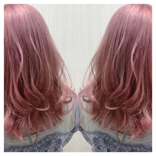 ラベンダーピンク デート フェミニン ブリーチ ヘアスタイルや髪型の写真・画像