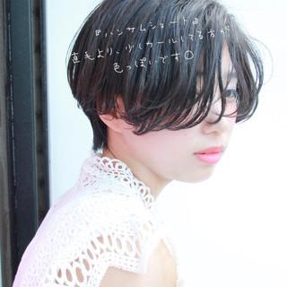 簡単スタイリング ハンサムショート 大人かわいい おフェロ ヘアスタイルや髪型の写真・画像