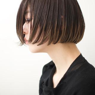 ショートヘア ショートボブ モード 切りっぱなしボブ ヘアスタイルや髪型の写真・画像