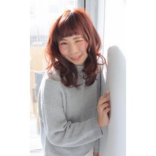 ベージュ セミロング ガーリー ピンク ヘアスタイルや髪型の写真・画像