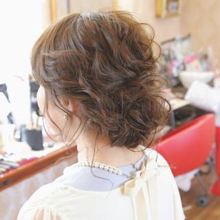 アップスタイル 結婚式 ヘアアレンジ ミディアム ヘアスタイルや髪型の写真・画像