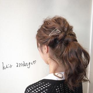 セミロング ポニーテール 簡単ヘアアレンジ ヘアアレンジ ヘアスタイルや髪型の写真・画像
