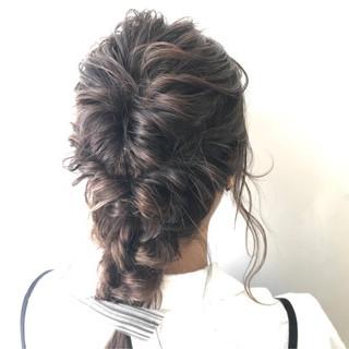 結婚式 フェミニン ヘアアレンジ くるりんぱ ヘアスタイルや髪型の写真・画像