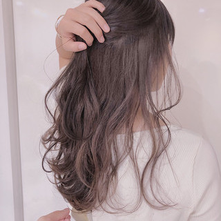 ラベンダーグレージュ ナチュラル ロング インナーピンク ヘアスタイルや髪型の写真・画像