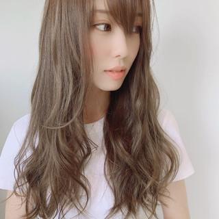 透明感カラー アッシュベージュ ミルクティーベージュ ロング ヘアスタイルや髪型の写真・画像