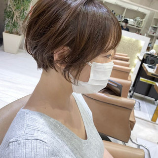 パーマ ショートボブ 小顔ショート ショートヘア ヘアスタイルや髪型の写真・画像