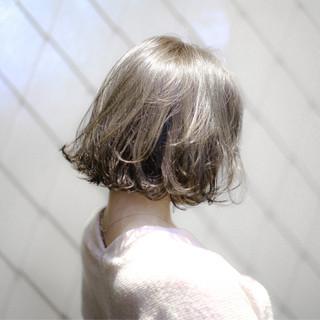 色気 ハイライト 小顔 切りっぱなし ヘアスタイルや髪型の写真・画像