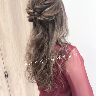 デート ロング 成人式 インナーカラー ヘアスタイルや髪型の写真・画像