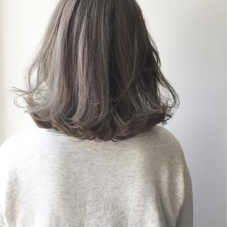 ストリート ボブ ミディアム グレージュ ヘアスタイルや髪型の写真・画像