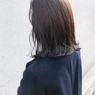 アウトドア 外ハネ ミディアム こなれ感 ヘアスタイルや髪型の写真・画像