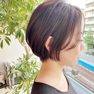 オフィス 大人かわいい ショート ナチュラル ヘアスタイルや髪型の写真・画像