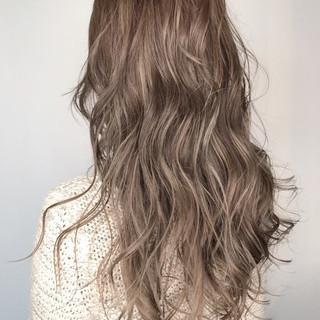 ロング 外国人風カラー ウェットヘア アッシュ ヘアスタイルや髪型の写真・画像