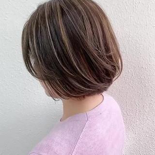 ミルクティーベージュ ハイライト ボブ グレージュ ヘアスタイルや髪型の写真・画像