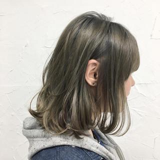 外国人風 インナーカラー 色気 ナチュラル ヘアスタイルや髪型の写真・画像