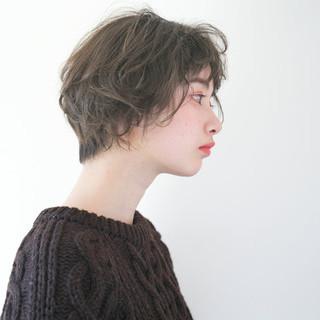 ウェーブ 冬 グレージュ ショート ヘアスタイルや髪型の写真・画像
