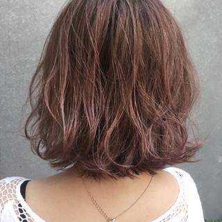 ブリーチ 透明感 リラックス ピンク ヘアスタイルや髪型の写真・画像