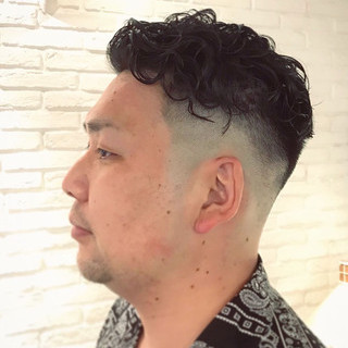 メンズ スキンフェード ショート ストリート ヘアスタイルや髪型の写真・画像