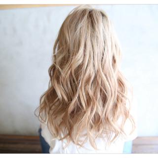 外国人風カラー ブリーチ エレガント 外国人風 ヘアスタイルや髪型の写真・画像