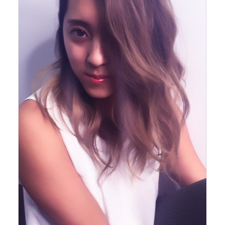 ハイライト グラデーションカラー 波ウェーブ ストリート ヘアスタイルや髪型の写真・画像